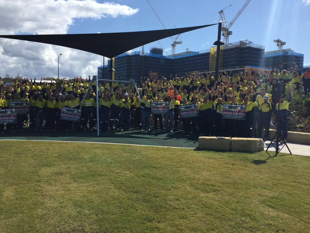 ETU Members gather at the Sunshine Coast Hospital to vote up the Log of Claims
